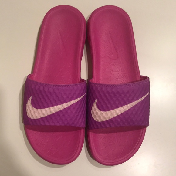 698ce9468f383d Nike Women s Benassi Solarsoft Slide 2 BRAND NEW